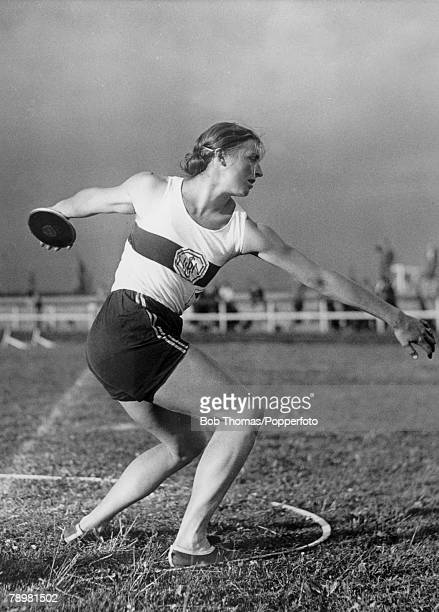 Sport 1936 Olympic Games in Berlin Gisela Mauermayer Germany winner of the gold medal in the Discus event at the 1936 Olympic Games