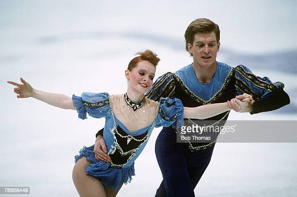 Sport 1994 Winter Olympic Games Lillehammer Norway Figure Skating Pairs Jenni Meno and Todd Sand USA