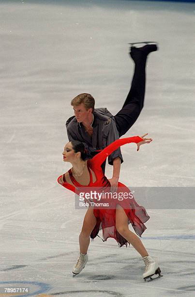 Sport 1998 Winter Olympic Games Nagano Japan Figure Skating Ice Dance Anjelika Krylova and Oleg Ovsyannikov Russia the Silver medal winners