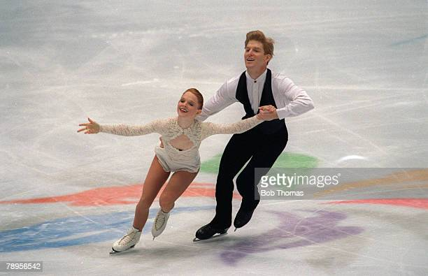 Sport 1998 Winter Olympic Games Nagano Japan Figure Skating Pairs Jenni Meno and Todd Sand USA