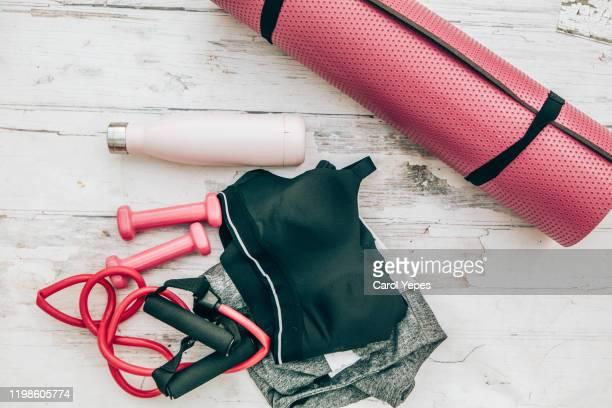 sport and fitness equipment - roupa desportiva imagens e fotografias de stock