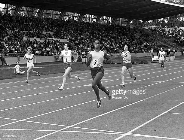 Sport, Athletics, Crystal Palace, London, England, 5th September 1970, Womens 400 metres Invitational, Jamaica's Marilyn Neufville, aged 17, is...