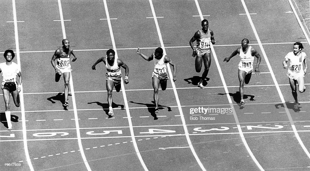 BT Sport, Athletics, pic: 2nd September 1972, 1972 Olympic Games in Munich, Mens 100 metres Heat, Left, Reynaud Robinson, (1007) 1st, Philippe Clerc, (820) Switzerland 2nd : News Photo