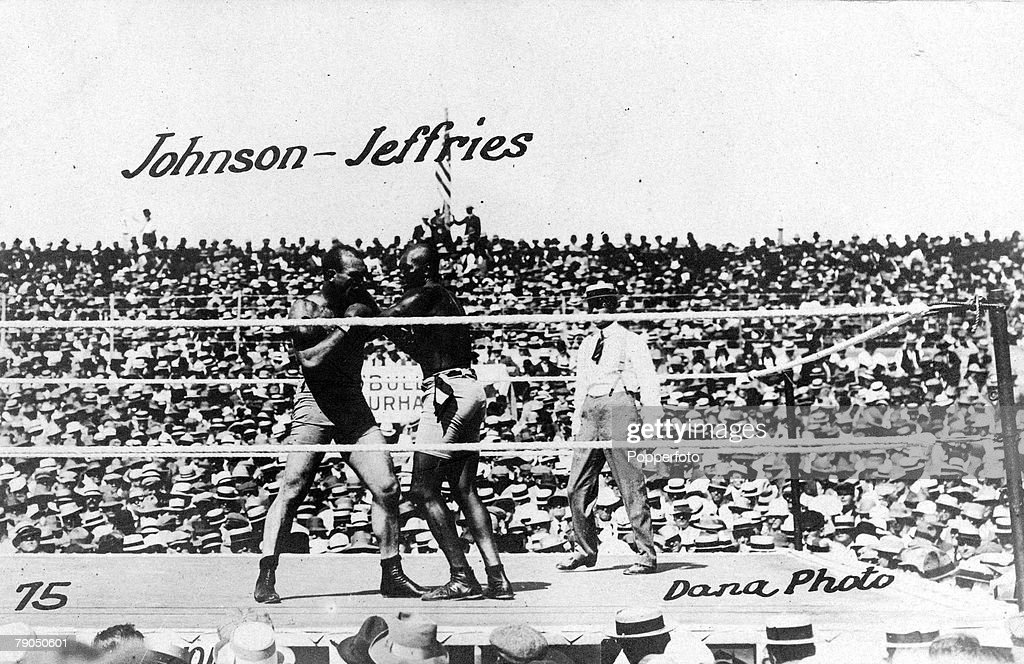 369 Jack Johnson Boxer Photos And Premium High Res Pictures Getty Images