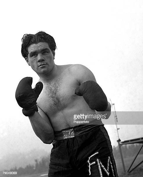 Sport Boxing England Sgt Freddie Mills of the RAF in training outdoors Freddie later became Light Heavyweight World Boxing Champion