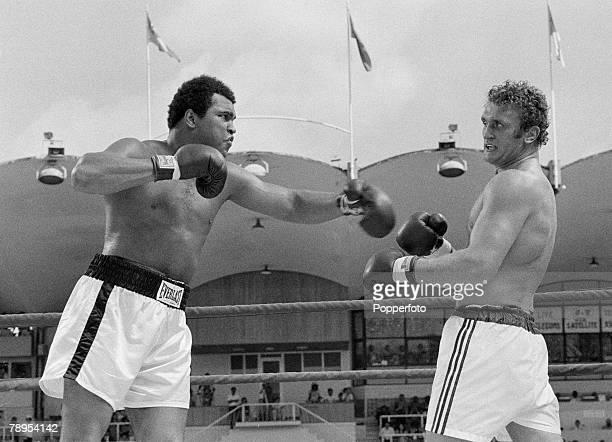 Sport Boxing Kuala Lumpur Malaysia 30th June 1975 World Heavyweight Championship Muhammad Ali v Joe Bugner Action during the fight Ali won on points...
