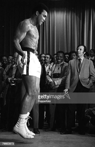 Sport Boxing New York USA 1st December 1970 Former Heavyweight World Champion USA's Muhammad Ali is pictured skipping during training prior to his...