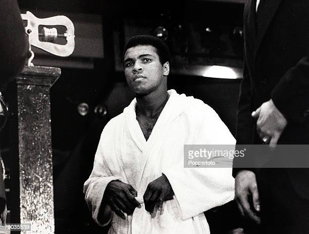Sport Boxing USA World Heavyweight Championship March 1971 Challenger Muhammad Ali is about to weigh in for his Heavyweight title fight against Joe...