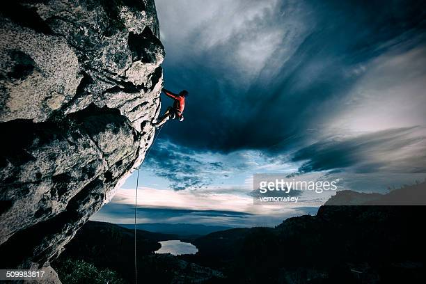 sport climbing - free climbing stock pictures, royalty-free photos & images