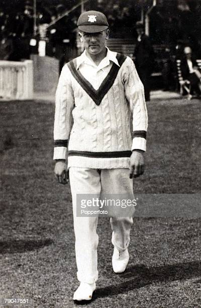 Sport, Cricket, Cigarette card, Circa 1925, Harold Larwood, Nottinghamshire, and England, Harold Larwood was a main strike bowler on the infamous...