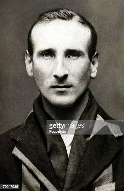 Sport Cricket Cigarette card Circa 1930 Douglas Jardine Surrey and England Douglas Jardine was England captain on the infamous Ashes Bodyline tour to...