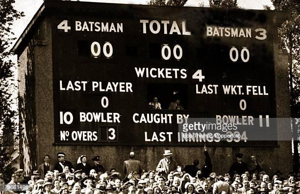 Sport Cricket Headingley Leeds 5th 6th7th8th June 1952 1st Test Match England v India The Headingly scoreboard tells the story of an astonishing...