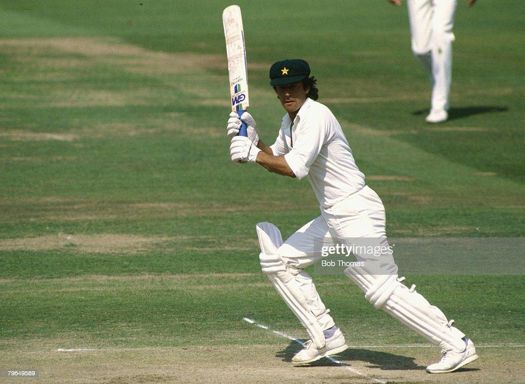 BT Sport, Cricket, Lord's, pic: August 1987, MCC Bi-Centennial Match, Imran Khan, Pakistan, Imran Khan played in 88 Test matches for Pakistan between 1971-1992 : News Photo