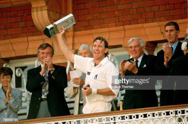 2nd September 1995 Nat West Trophy Final at Lord's Warwickshire beat Northamptonshire Dermot Reeve Warwickshire who captained the side to 3 major...