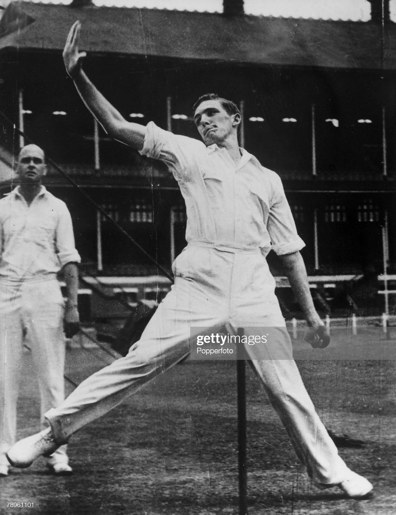Sport. Cricket. pic: circa 1953. Alan Davidson, Australia all-rounder, who played for Australia in 44 Test matches between 1953-1963. : News Photo
