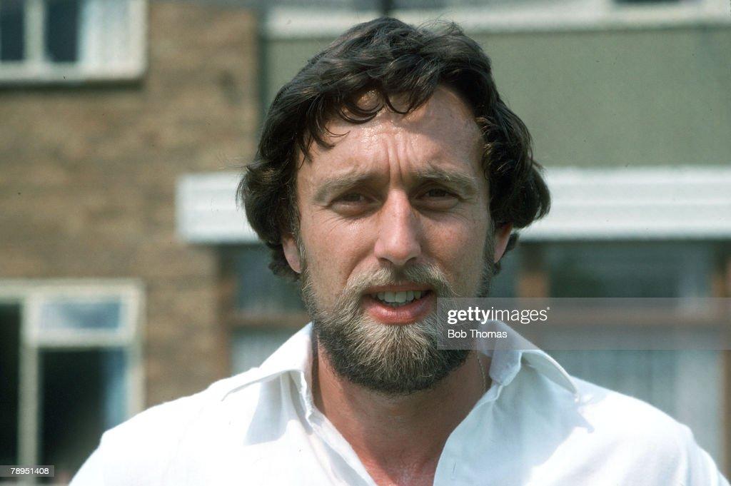 Sport. Cricket. pic: circa 1980. Mike Hendrick, Derbyshire and England seam bowler. : News Photo