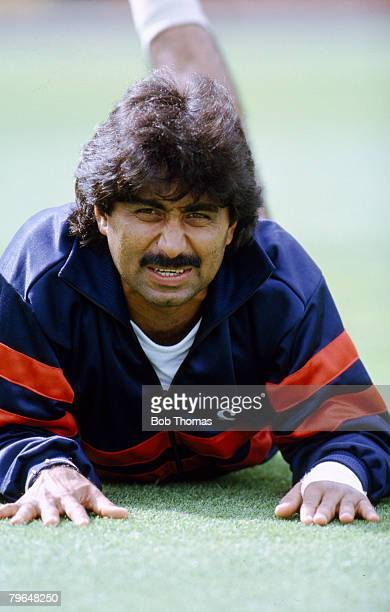 January 1990 Pakistan Nets in Melbourne Javed Miandad the Pakistan batsman one of their greatest players played in 124 Test matches for Pakistan...