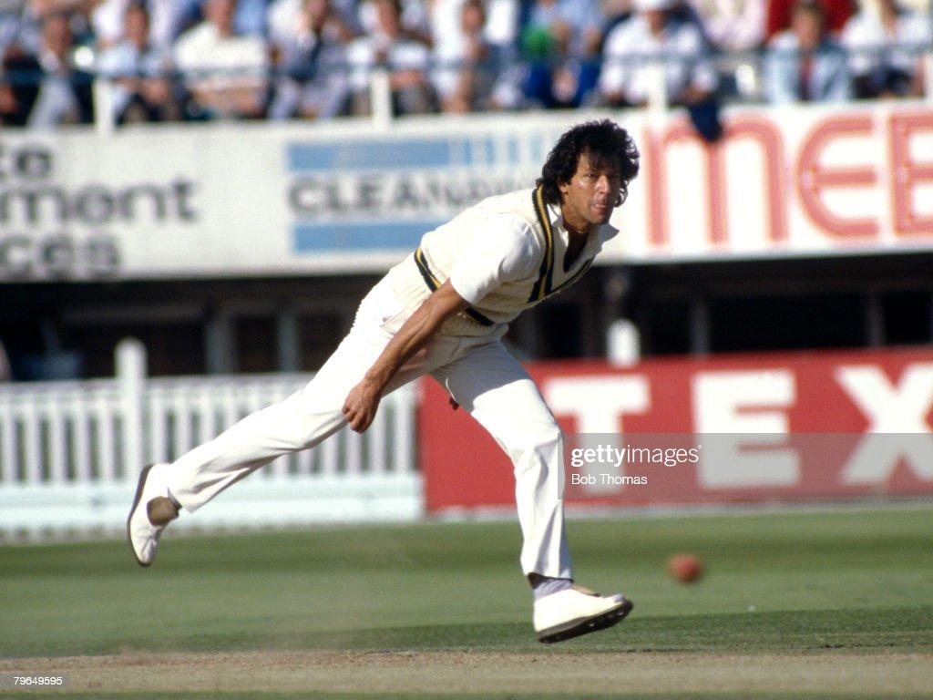 BT Sport, Cricket, pic: July 1987, 4th Cornhill Test Match at Edgbaston, England v Pakistan, Imran Khan, Pakistan, Imran Khan played in 88 Test matches for Pakistan between 1971-1992 : ニュース写真