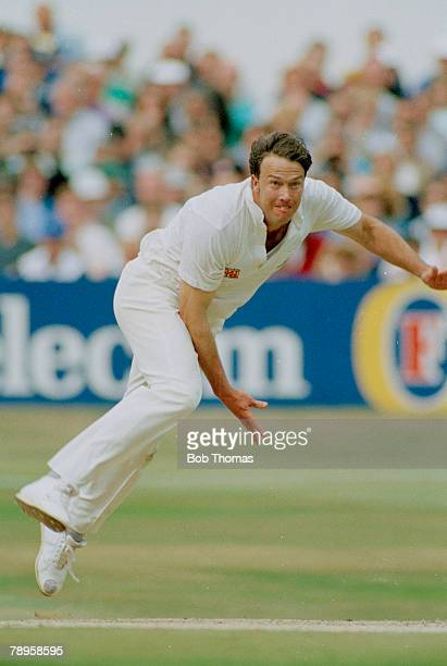 July 1992 4th Test Match at Headingley England beat Pakistan by 6 wickets Derek Pringle England allrounder who played in 30 Test matches for England...