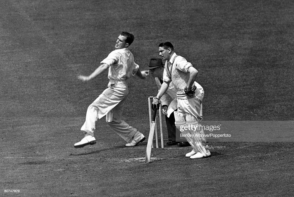 Sport Cricket. pic: May 1950. Jim Laker, England spin bowler, who played for England in 46 Test matches between 1947-1959. : News Photo