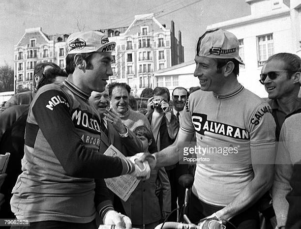 Sport, Cycling, France, 18th April 1971, Belgium's Eddy Merckx shakes hands with Italy's Felice Gimondi prior to the start of the 69th Paris to...
