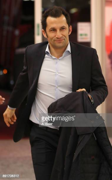 Sport director Hasan Salihamidzic of FC Bayern Muenchen arrives at the players' tunnel ahead of the Bundesliga match between FC Bayern Muenchen and 1...