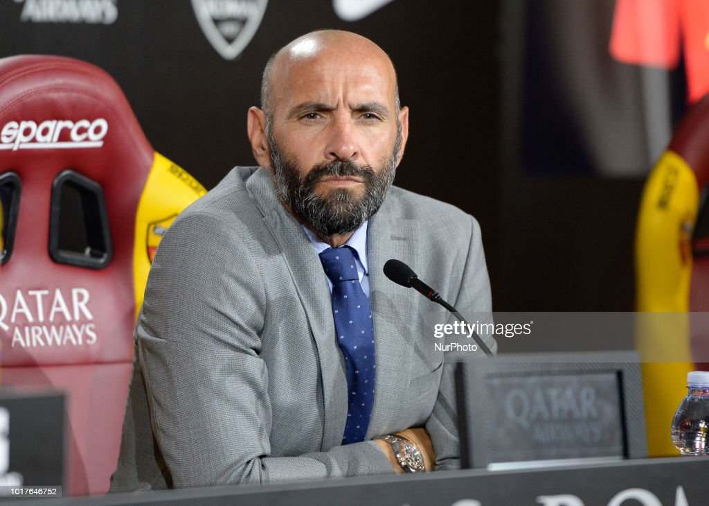 AS Roma Press Conference : News Photo