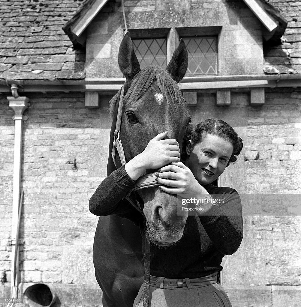 Sport. Equestrian. Show Jumping. England. 1955. Britain's Pat Smythe is pictured with one of her horses. : News Photo