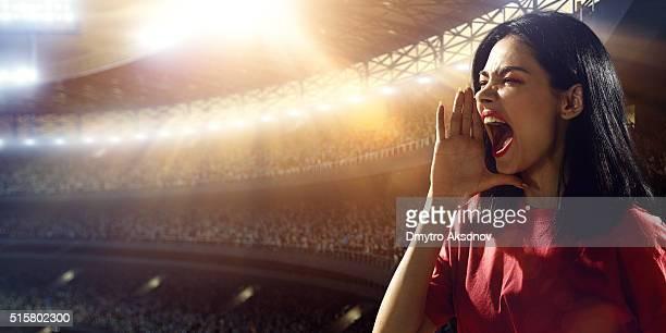 Les amateurs de Sport : Un homme criant