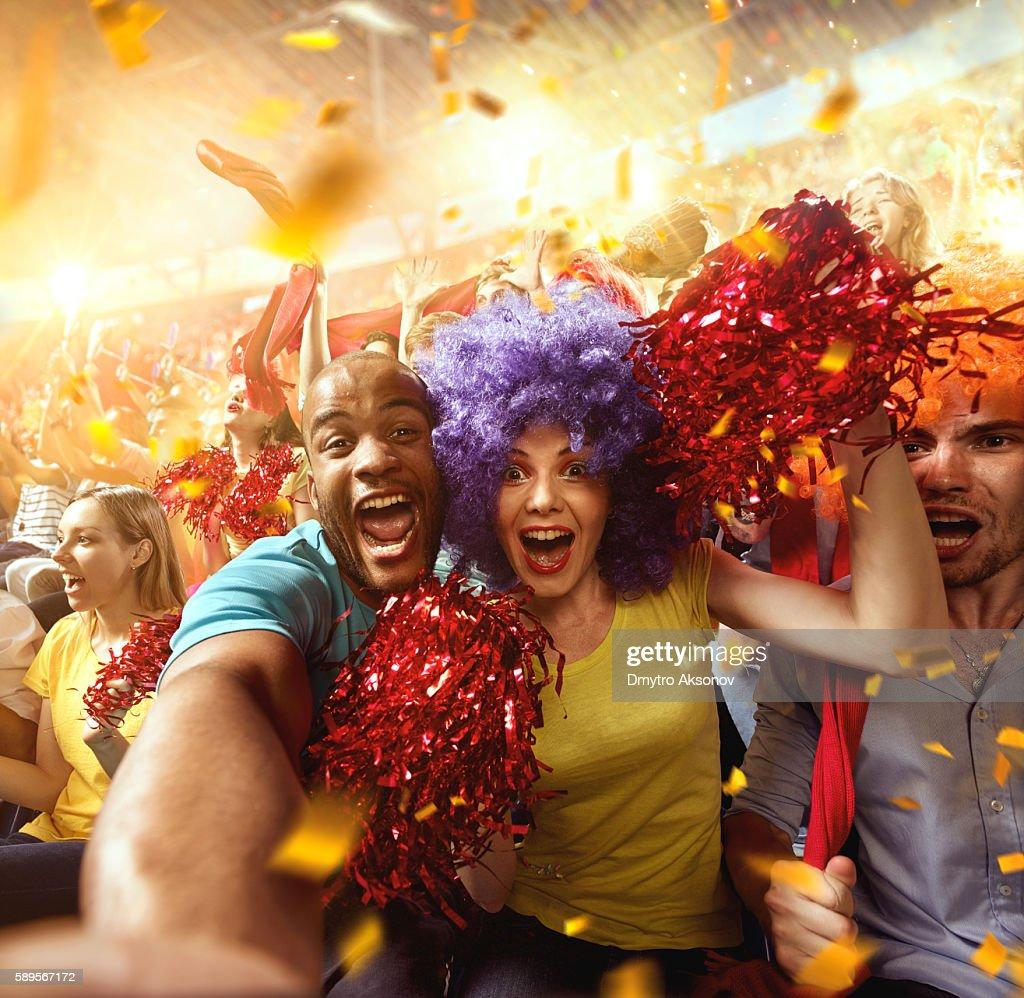 Sport fans: Couple in love : Stock Photo