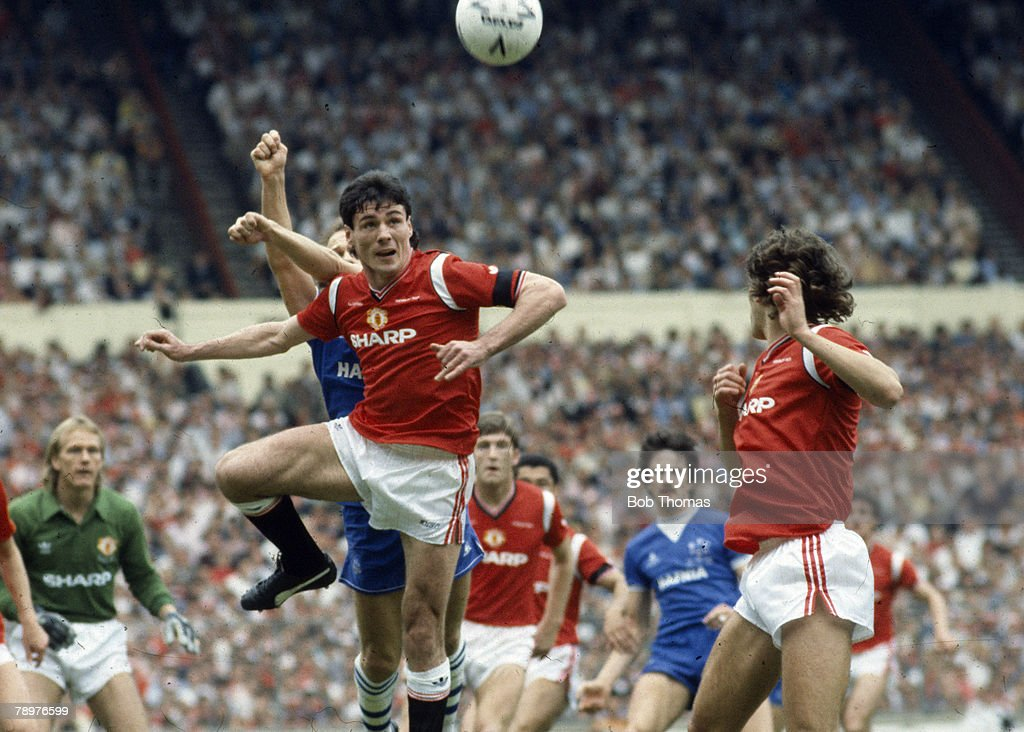 BT Sport. Fooball. pic: May 1985. 1985 FA. Cup Final at Wembley. Manchester United 1 v Everton 0. Manchester United striker Frank Stapleton jumps for a high ball. : News Photo