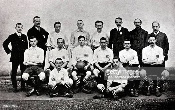 Sport, Football, 1908 Olympic Games, London, England, The Great Britain team, Amateur XI, winners of the Gold medal, and , Back row, L-R: G,H,Barlow,...