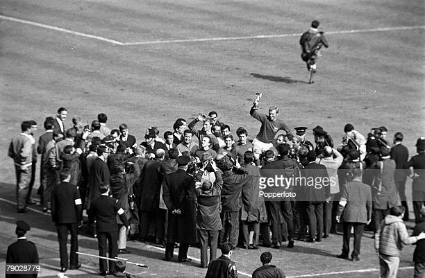 Sport, Football, 1966 World Cup Final, Wembley, London, England, 30th July 1966, England 4 v West Germany 2 , England captain Bobby Moore holds the...