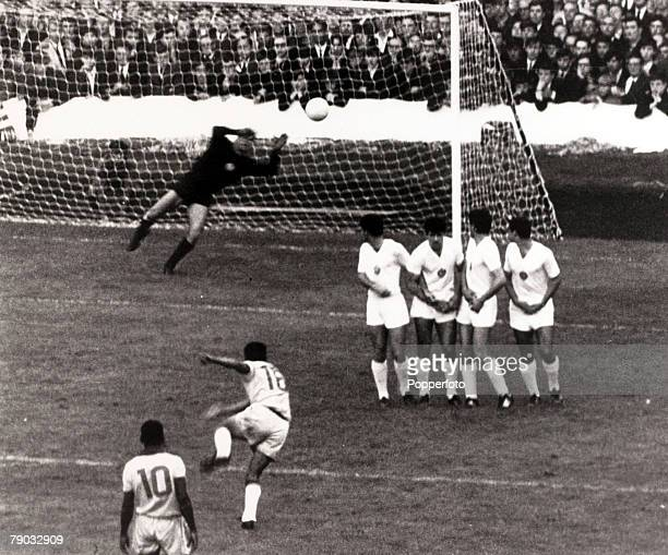 Sport Football 1966 World Cup Finals Goodison Park Liverpool England 12th July 1966 Group 3 Brazil 2 v Bulgaria 0 Brazil star Garrincha shoots to...