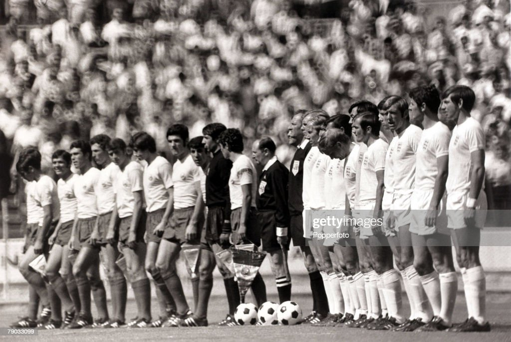 Sport. Football. 1970 World Cup Finals. Guadalajara, Mexico. 4th June 1970. Group 3. England 1 v Romania 0. Romania (left) and England line up before the game. The England team was L-R: Bobby Moore, Bobby Charlton, Alan Ball, Alan Mullery, Francis Lee, Go : News Photo