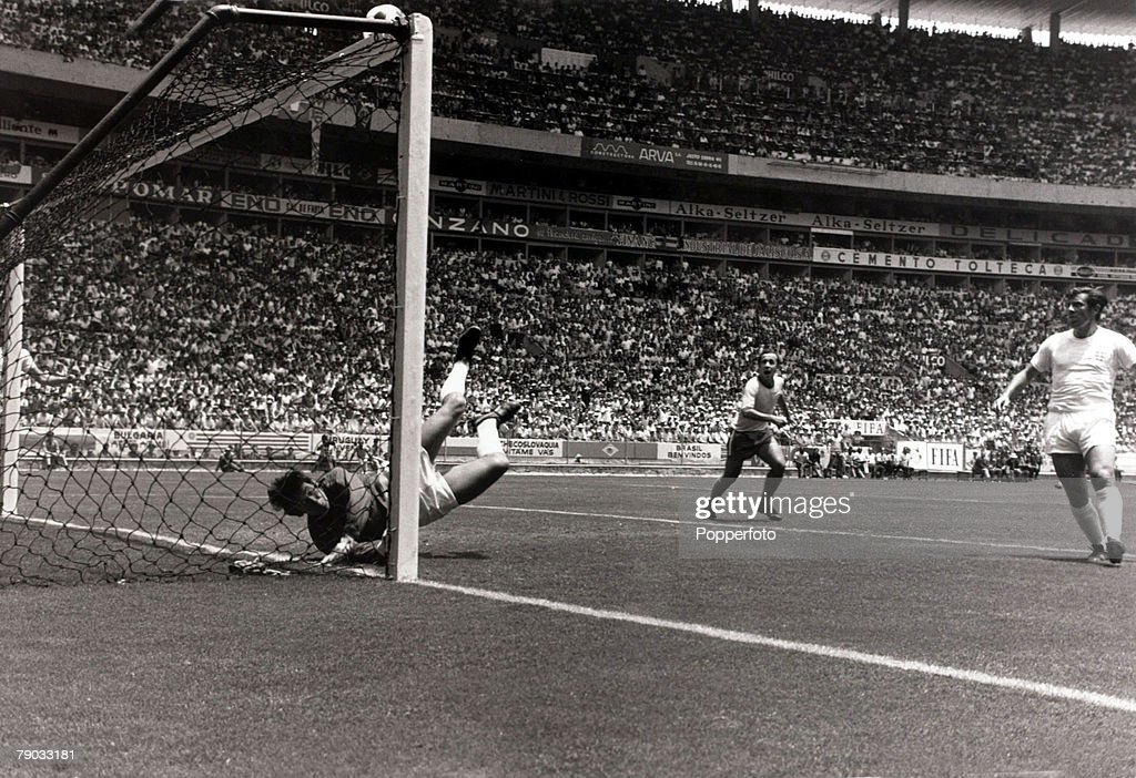 Sport. Football. 1970 World Cup Finals. Guadalajara, Mexico. 7th June 1970. Group 3. England 0 v Brazil 1. England goalkeeper Gordon Banks makes his famous spectacular save from a downward header from Brazil's Pele, in what seemed certain to be a goal he  : News Photo