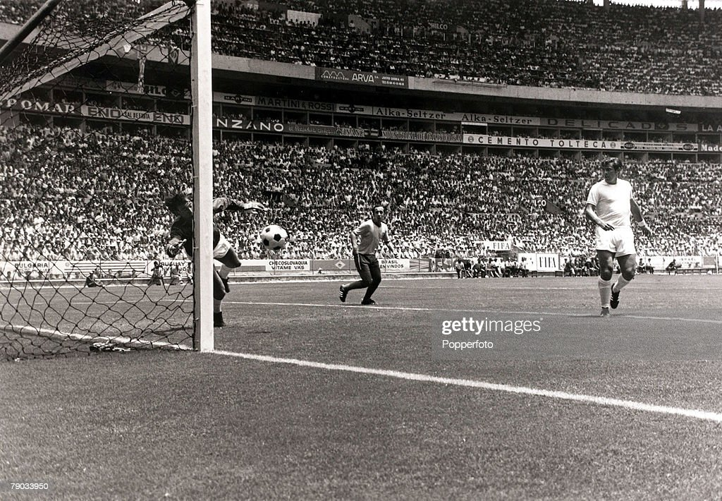 Sport. Football. 1970 World Cup Finals. Guadalajara, Mexico. 7th June 1970. Group 3. Brazil 1 v England 0. England goalkeeper Gordon Banks dives to make his incredible save to stop a goalbound header from Brazil's Pele (out of shot) finding the net, his q : News Photo
