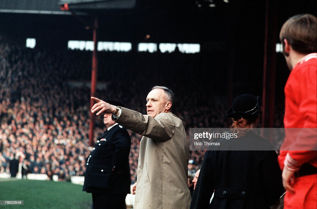 Sport. Football. 1970's. Liverpool's legendary manager Bill Shankly points to show his team the way in a show of tactics. : News Photo