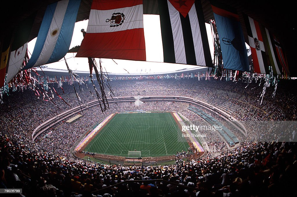 Sport. Football. 1986 World Cup Finals. Mexico City, Mexico. A spectacular panoramic view of the Azteca Stadium. : ニュース写真