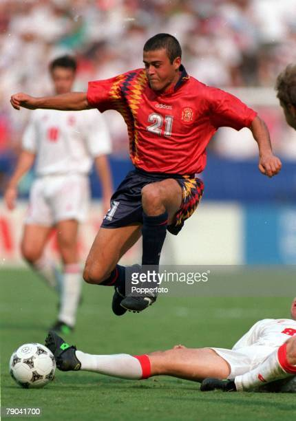 Sport Football 1994 World Cup Finals Second Phase Washington USA Spain 3 v Switzerland 0 6th July Spain's Luis Enrique on the ball