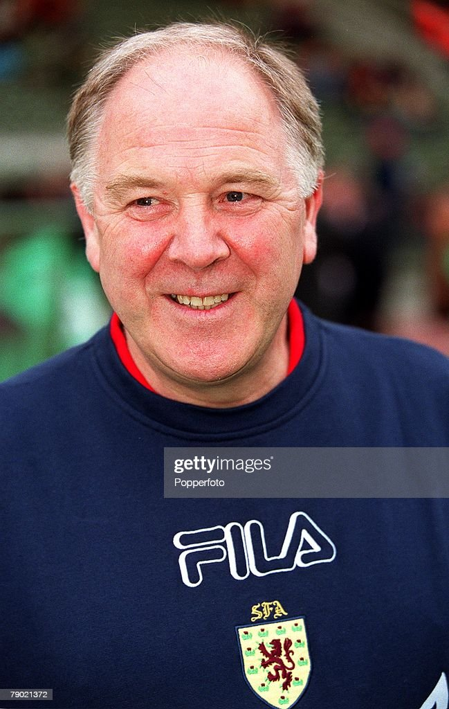 Sport. Football. 2002 World Cup Qualifier. Group 6. Brussels. 5th September 2001. Belgium 2 v Scotland 0. Scotland Manager Craig Brown. : Nyhetsfoto