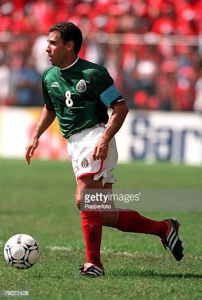 Sport Football 2002 World Cup Qualifier San Jose 7th October 2001 CONCACAF Finals Costa Rica 0 v Mexico 0 Mexico's Alberto Garcia Aspe