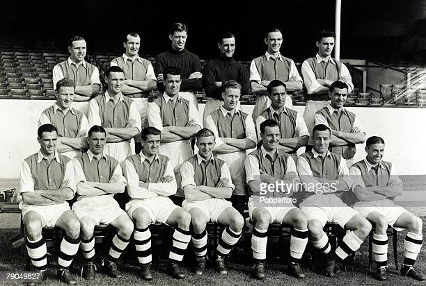 Sport Football 7th October 1949 Arsenal FC pictured at Highbury who finished the season 19491950 by becoming the 1950 FA Cup winners Back row...