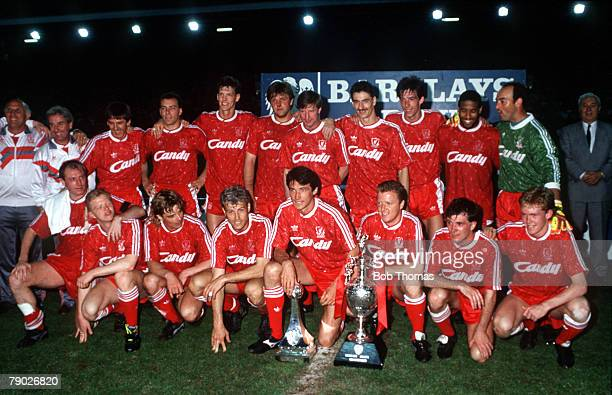 Sport, Football, Barclays League Division One, Anfield, England, 1st May 1990, Liverpool 1 v Derby County 0, The Liverpool team celebrate with the...
