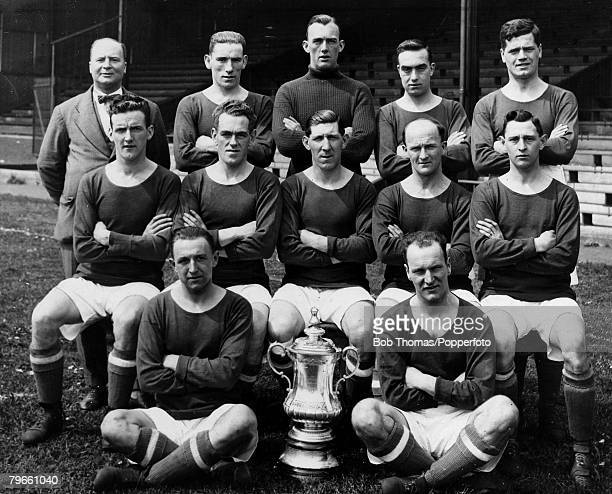 Sport Football Cardiff City FC 1927 FACup winners with the trophy They beat Arsenal 10 the only time the FACup has left England Cardiff City Back row...