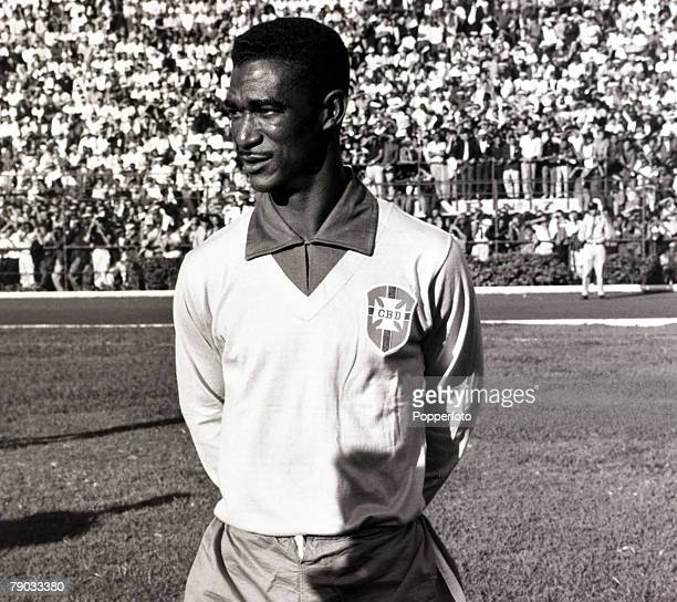 Sport Football circa 1960 Brazil's international star Didi pictured before a game Didi was one of the most famous of Brazilian players and...