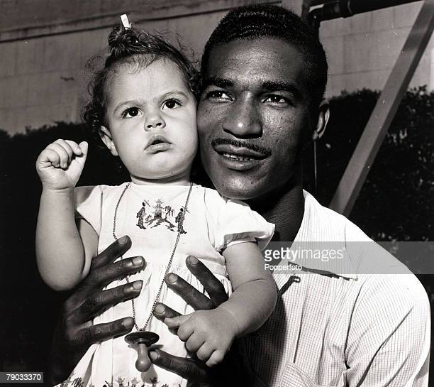 Sport Football circa 1960 Brazil's international star Didi pictured with his young daughter Didi was one of the most famous of Brazilian players and...