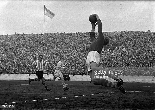 Sport Football England League Division One Manchester City v Sunderland Manchester City goalkeeper Bert Trautmann saves spectacularly during the match