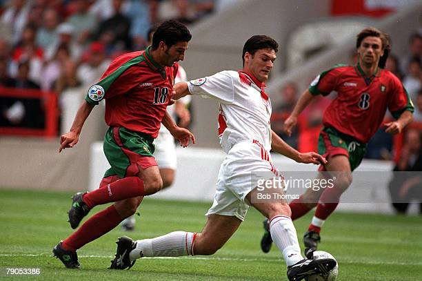 sport football european championship 14thjune 1996 portugal 1 v turkey 0 portugal s antonio folha pursues turkey s