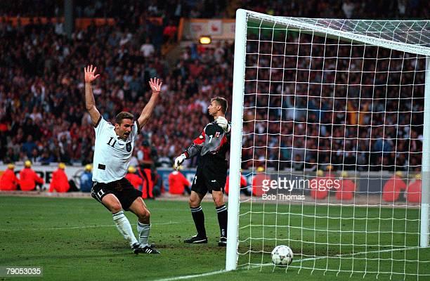 Sport, Football, European Championship, 30th, June 1996 , , Germany 2 v 1 Czech,Republic, Stefan Kuntz celebrates team-mate Oliver Bierhoff's winning...